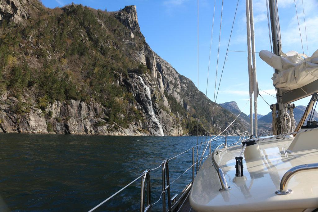 Einfahrt in den Lysefjord