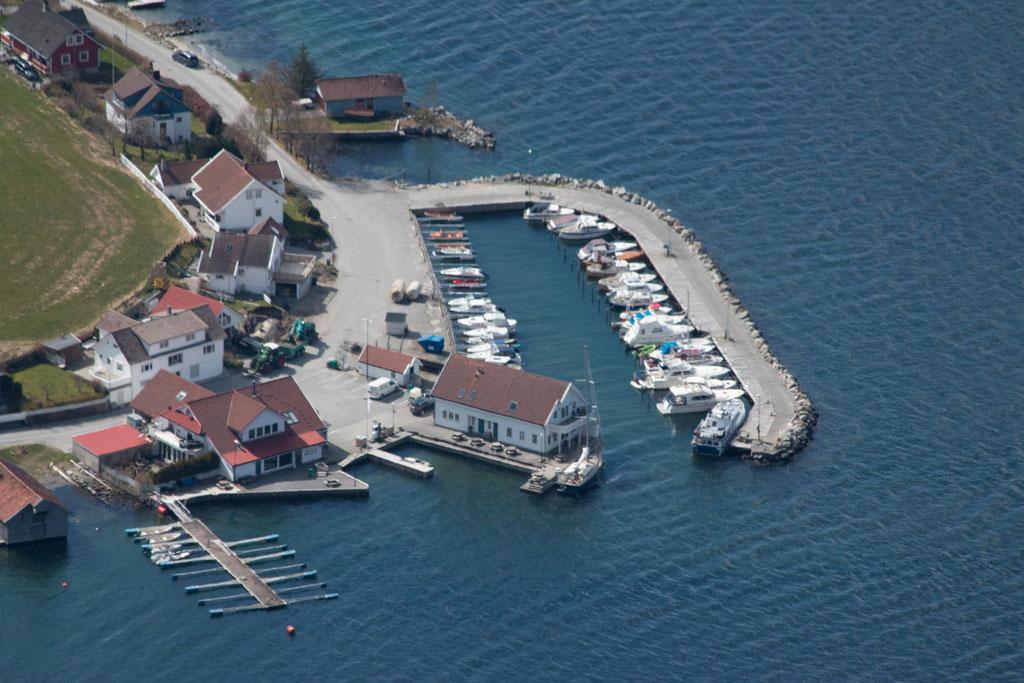 Der Hafen von Bergevik