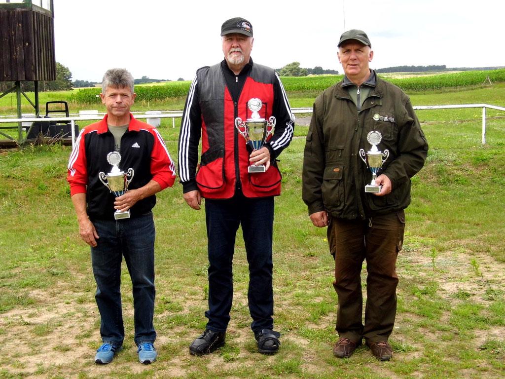 Gewinner der Seniorenklasse von links nach rechts: Karsten Pietschker, Werner Fröhlich und Gunther Greiff