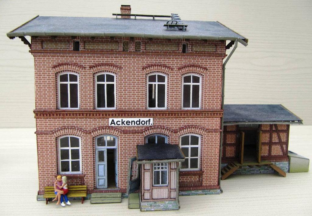 Bahnhof Ackendorf mit Nebengebäude