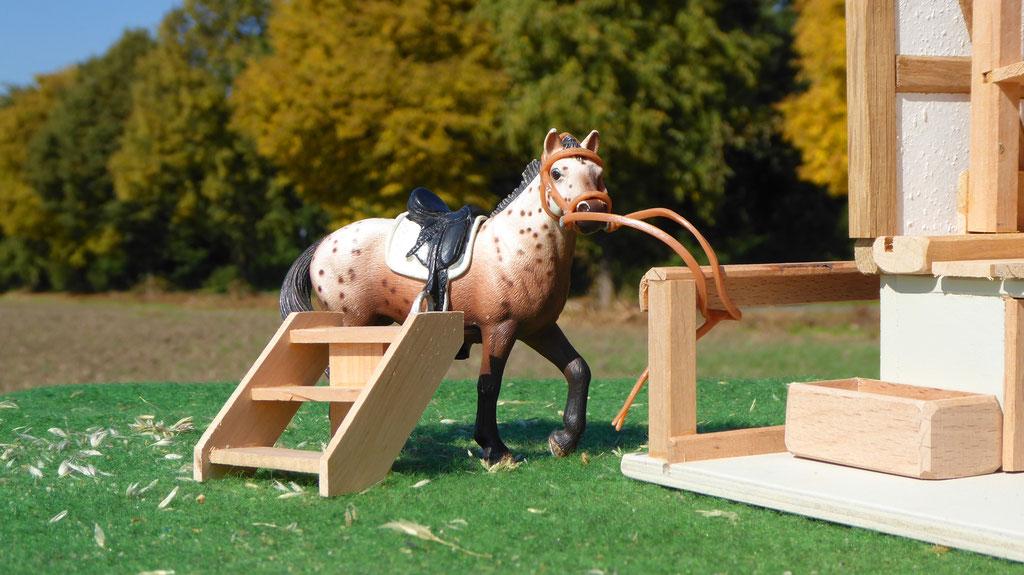 Aufstieghilfe für Schleich Pferde