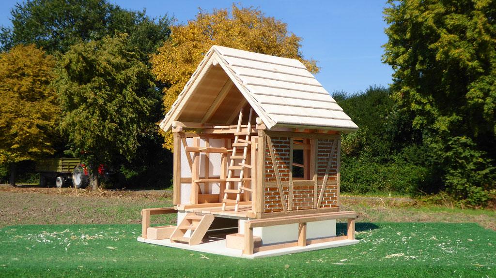 Sattelkammer Ansicht für Schleich Pferde aus Holz www.3zinken.de