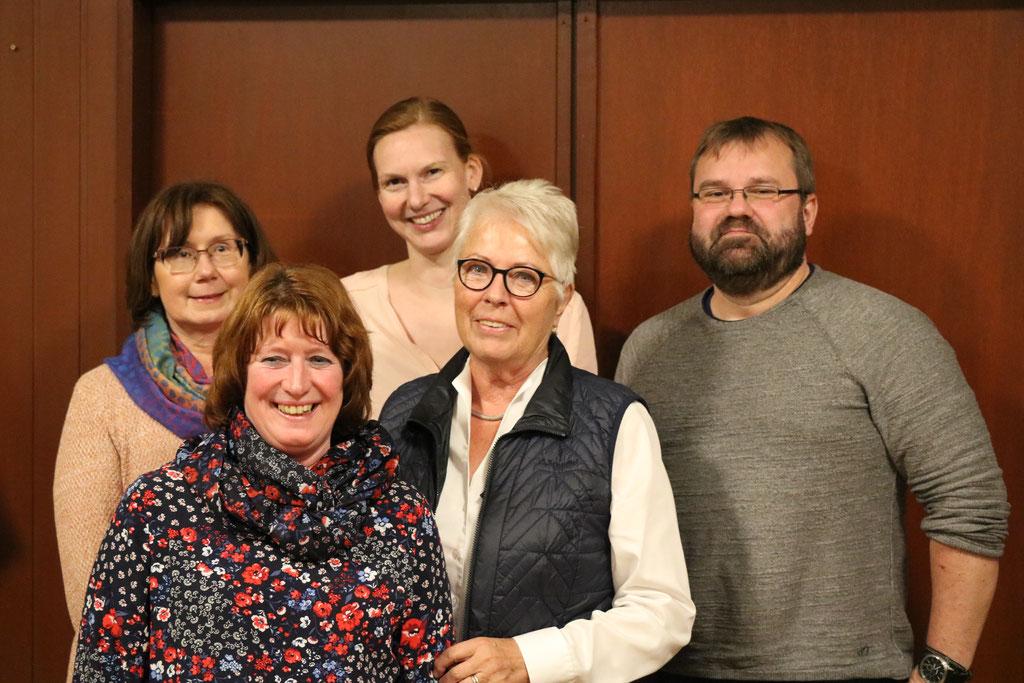 Der neue Vorstand: hinten: Sabine Wiermann, Corinna Kopetsch, vorne: Ute Quickles, Elke Wilmes, Roland Arendt