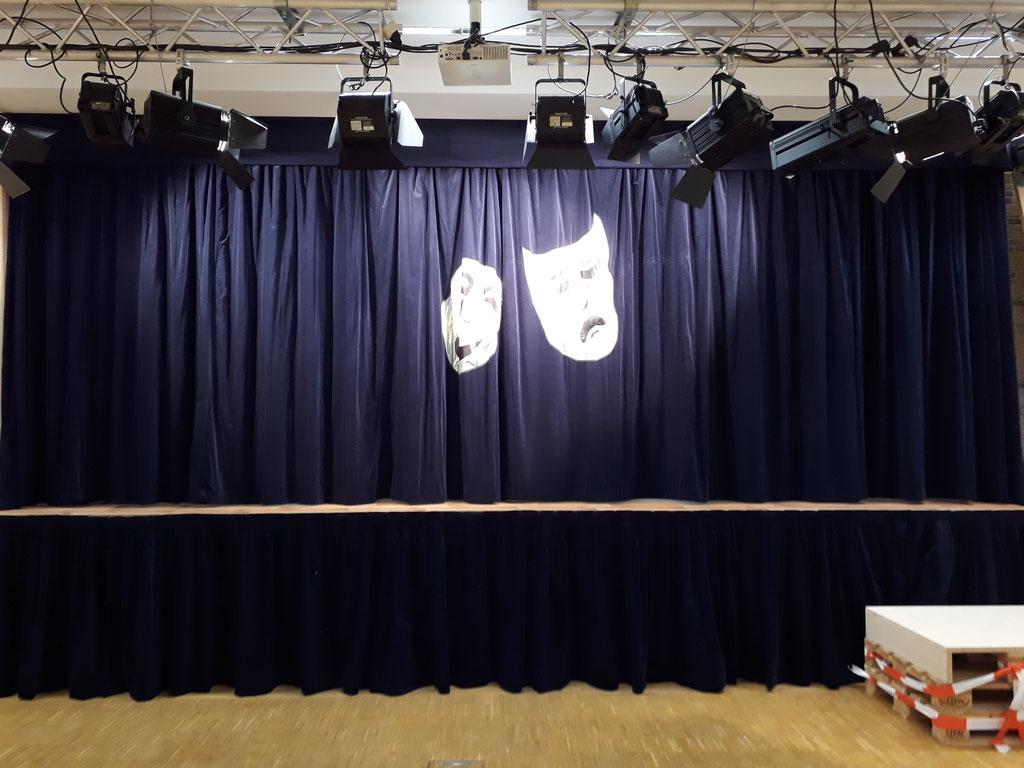 Fertig! Wie das Bühnenbild aussieht seht ihr bei den Vorführungen!