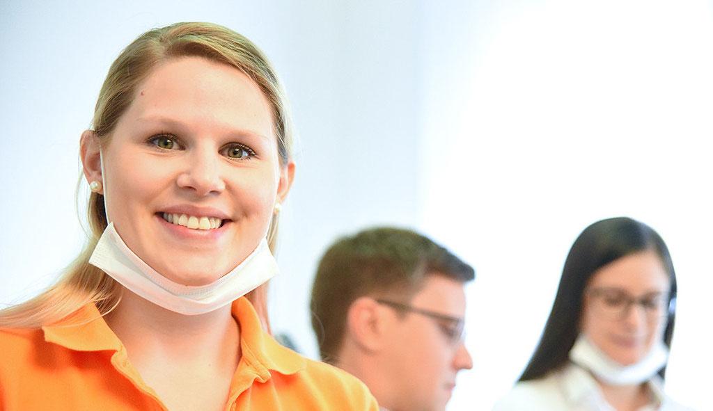 Fotografie: Peter Scheerer Stuttgart - Zahnarztpraxis Sarah Mayer Osterburken - Sprechstundenhilfe