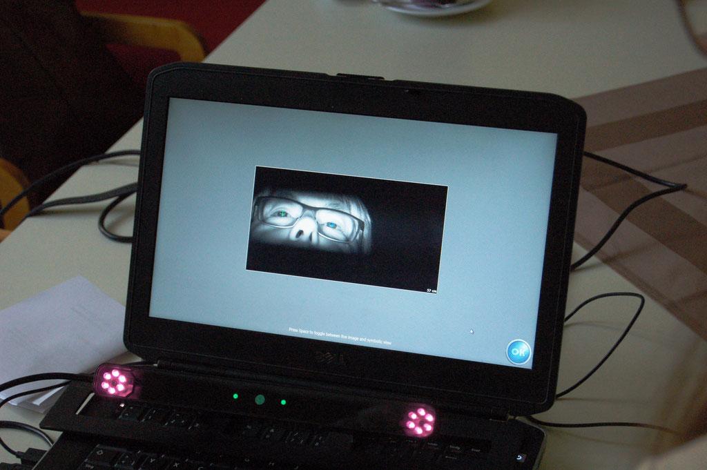 Innovative Blickverlaufsmessung (Eyetracking) im IZGS Projekt GESCCO – Denn SeniorenInnen sehen die mobilen Apps mit anderen Augen. | Foto: IZGS