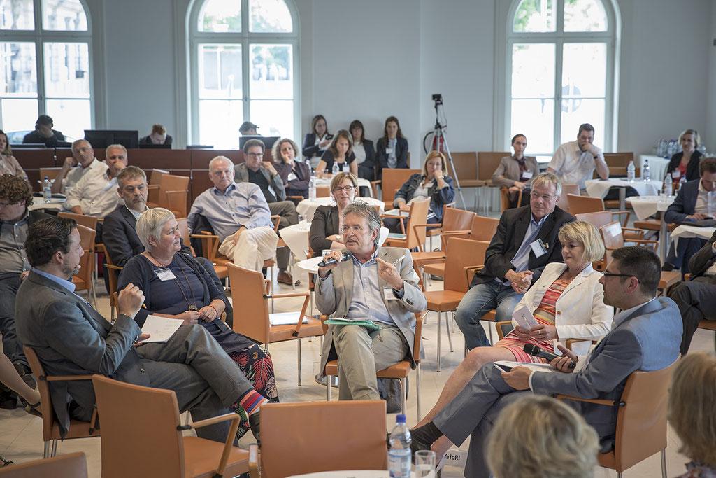 "Prof. Dr. Michael Vilain bei der Abschlussveranstaltung des Projektes  ""Synergien vor Ort"" der Bertelsmann Stiftung  | Foto: Kay Michalak; Bertelsmann Stiftung"