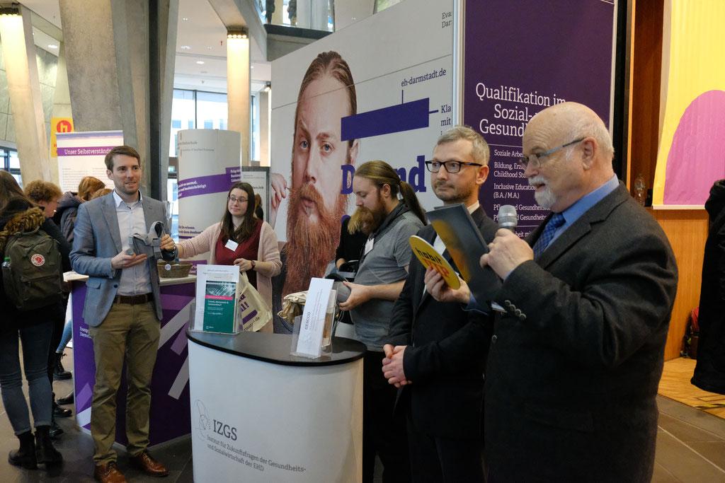 Forschung und Studium zusammenbringen: Das IZGS präsentiert auf dem Hochschul- und Berufsinformationstag (hobit) in Darmstadt ihre Forschungsprojekte und deren direkte Wirkung auf die Lehrinhalte der Studiengänge der EHD | Foto: EHD