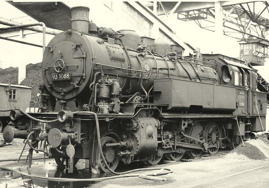 Lok 93 1088 um 1960, die fast ihre gesamte Betriebszeit im Bw Halberstadt verbracht hat