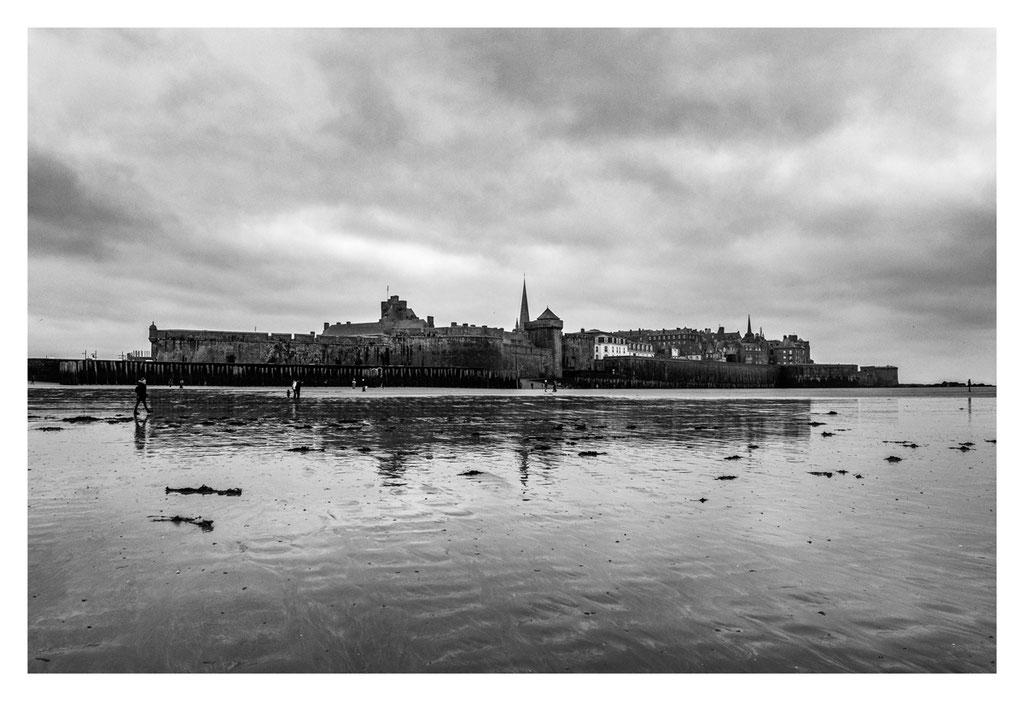 Saint Malo - Les remparts.