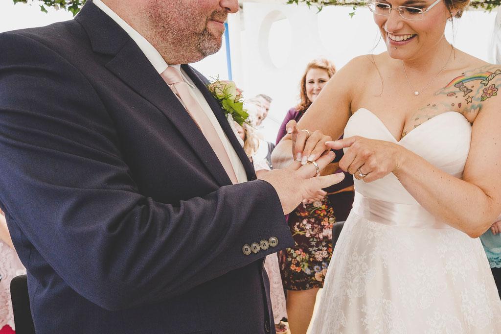 Ringübergabe bei der Trauung in Kellinghusen