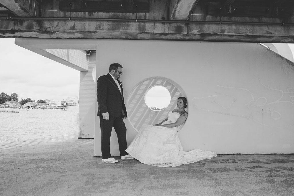 Brautpaarshooting auf der Brücke in Kellinghusen