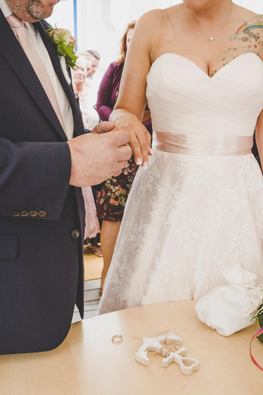 Ringübergabe bei der Trauung