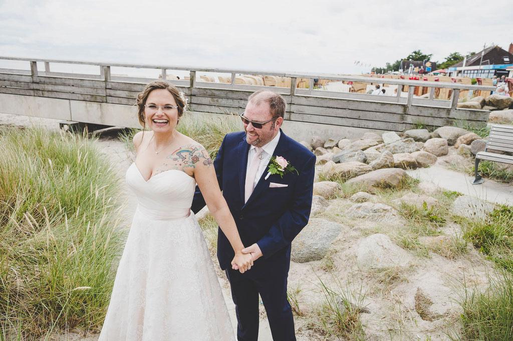 Brautpaar am Strand in Kellinghusen