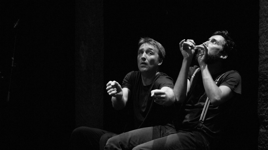 Decibel : Spectacle Improvisé/Acrobatique/Muet