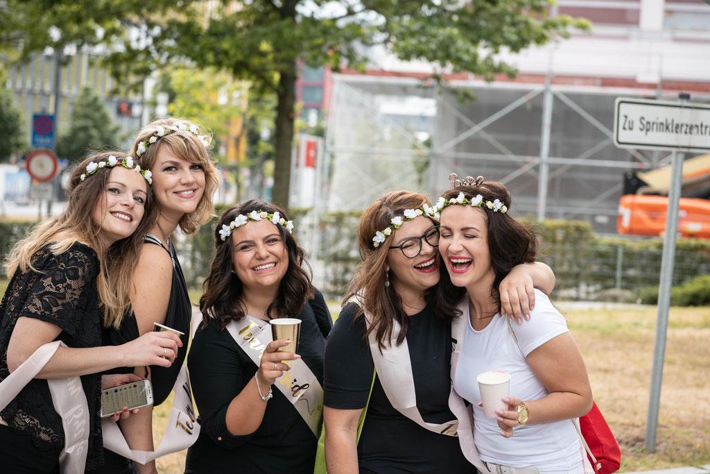 Russische Hochzeit oder Junggesellenabschied inklusive professioneller Fotograf in Schotten und Deutschlandweit