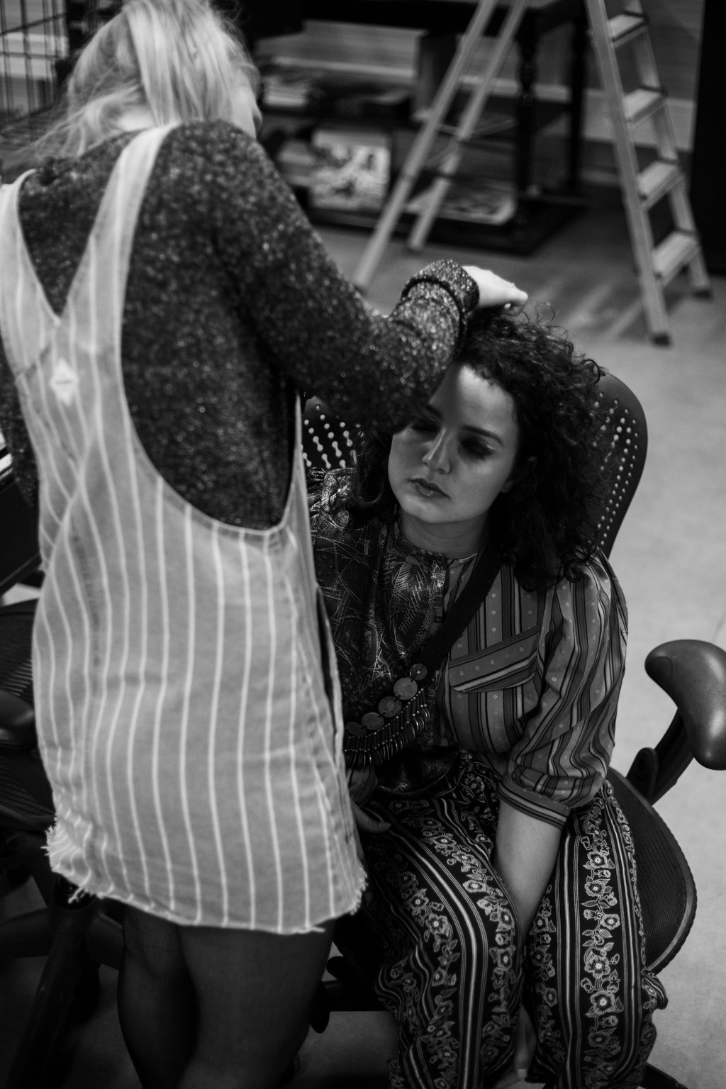Rotterdam based recording & performing artist Roufaida and make-up artist Maud Zoutenbier - backstage - photographed by Landa Penders