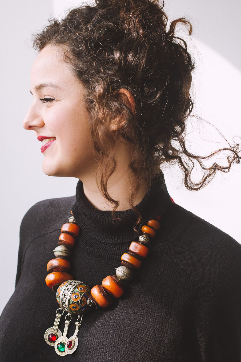 Rotterdam based recording & performing artist Roufaida wearing Stones Stories necklace photographed by Landa Penders