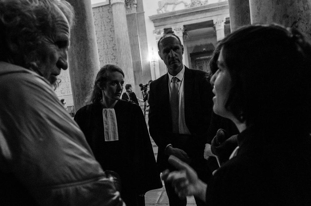 Hier dans le palais de justice avec les avocats