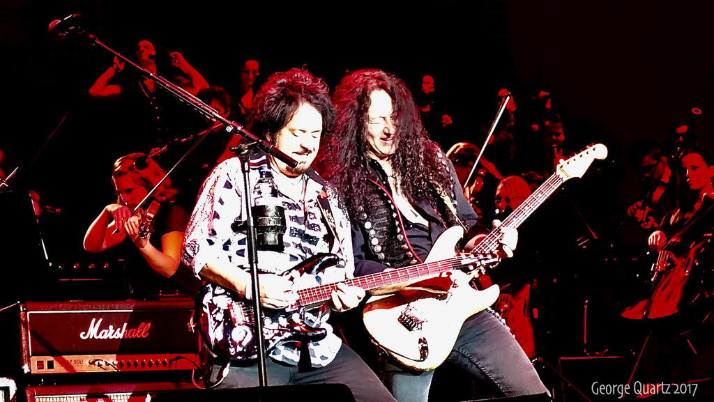 "Steve Lukather (Toto), Alex Beyrodt -""Rock meets Classic"" 2017 in Berlin"