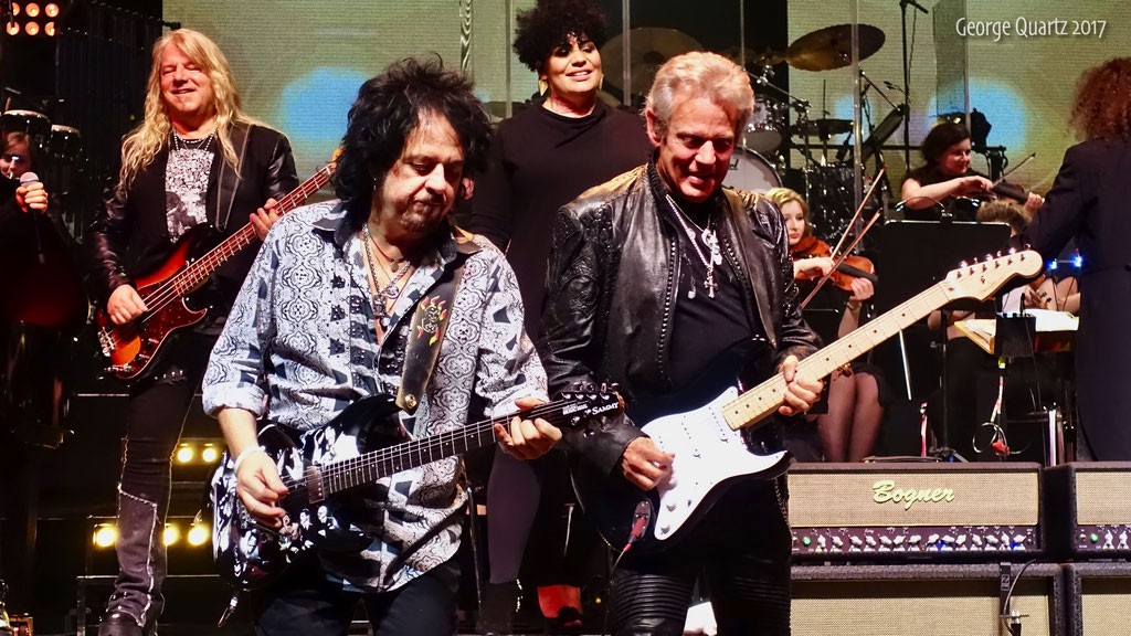 """Steve Lukather (Toto), Don Felder (Eagles) -""""Rock meets Classic"""" 2017 in Berlin"""