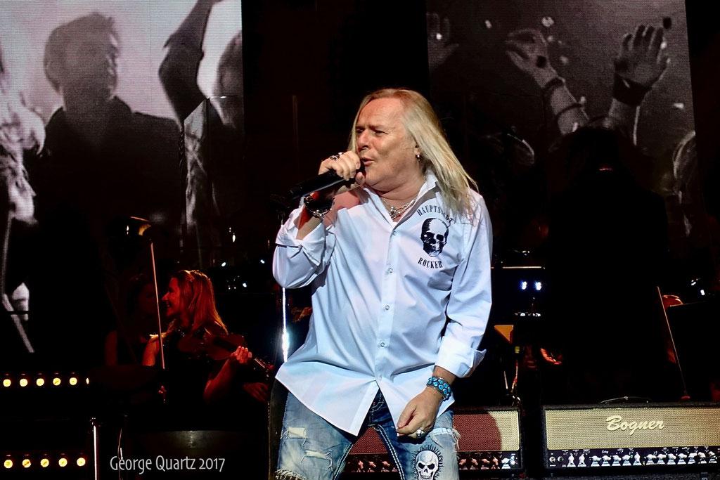 "Bernie Shaw (Uriah Heep) -""Rock meets Classic"" 2017 in Berlin"
