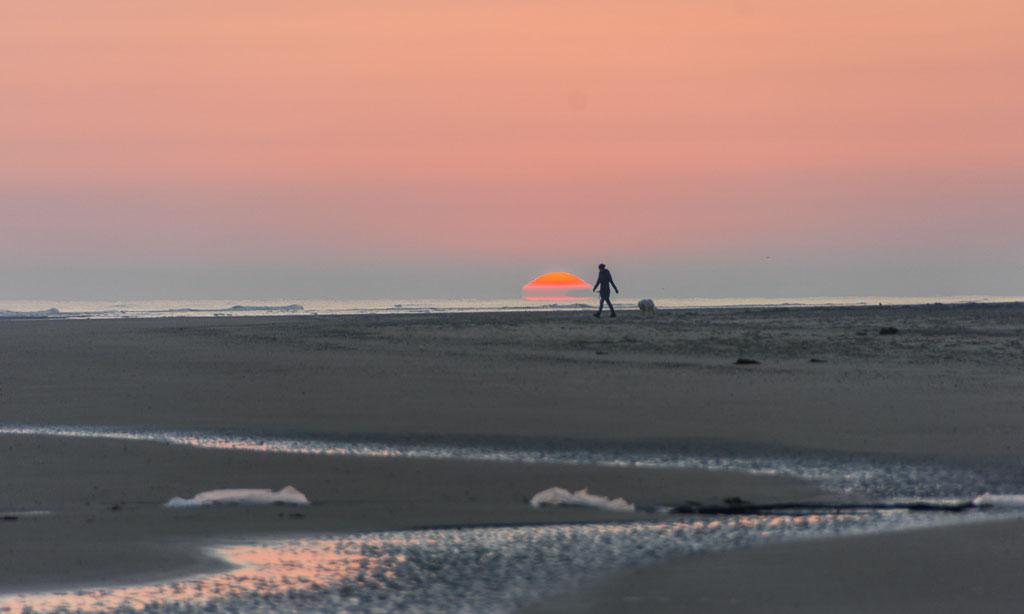 Farbenspiele bei Morgendämmerung auf Langeoog (alle Fotos @ bei Daniela Skrzypczak - www.demipress.me)