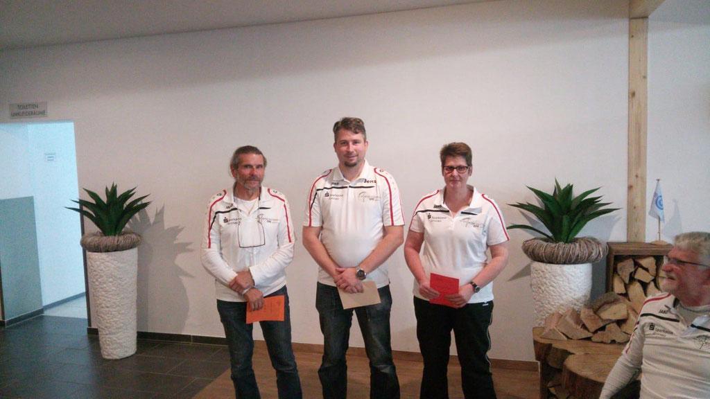 Platz 1-3 Sieger Compoundbogen v.l.n.r.  Gian Gioachin, Jens Kunze, Marion Leemreyze