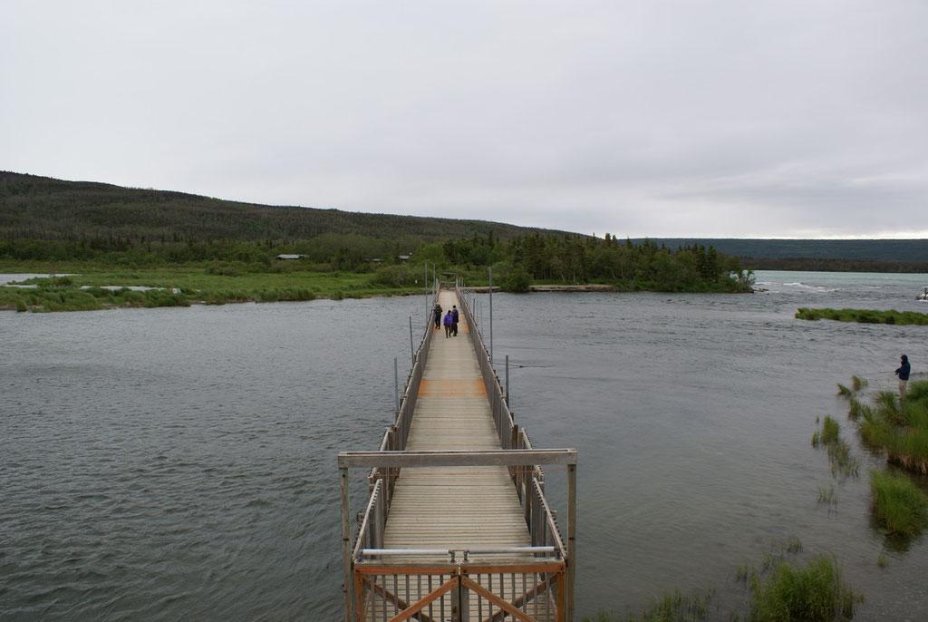 Ponto Brücke zur Lodge