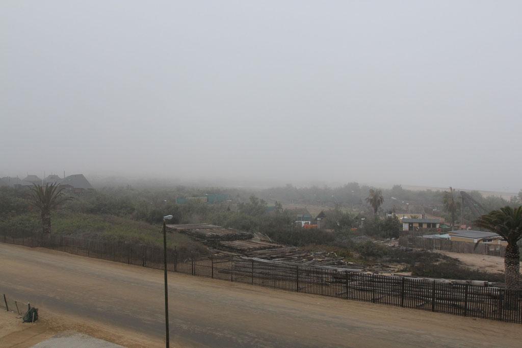 Am Morgen in Swakopmund vor der Weiterreise ist alles noch im Nebel.