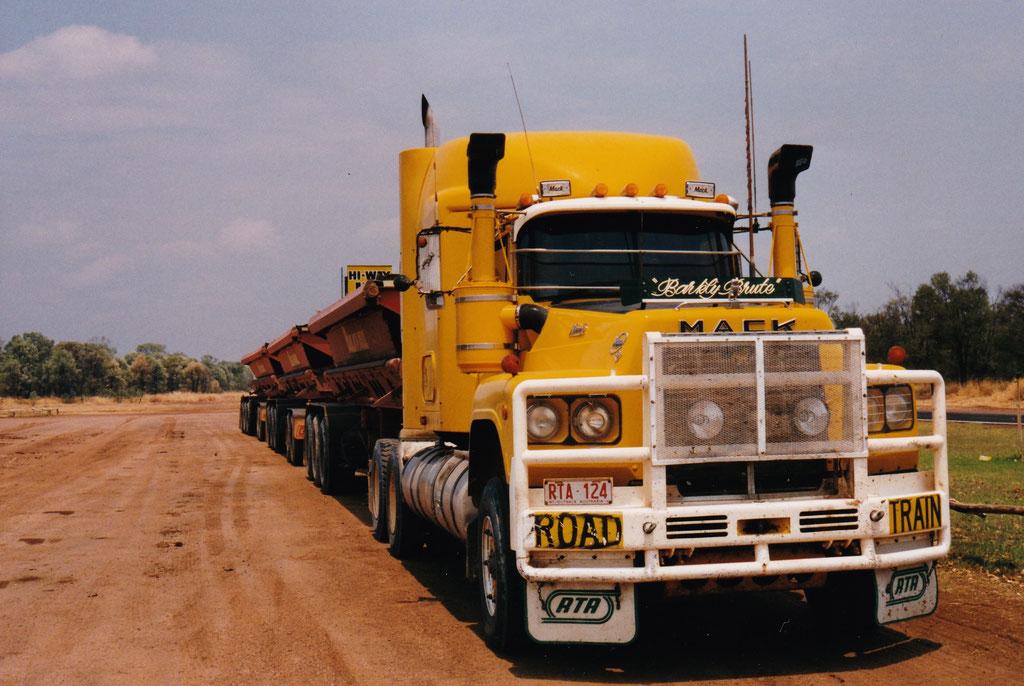 ROAD TRAIN DER MINEN COMPANY