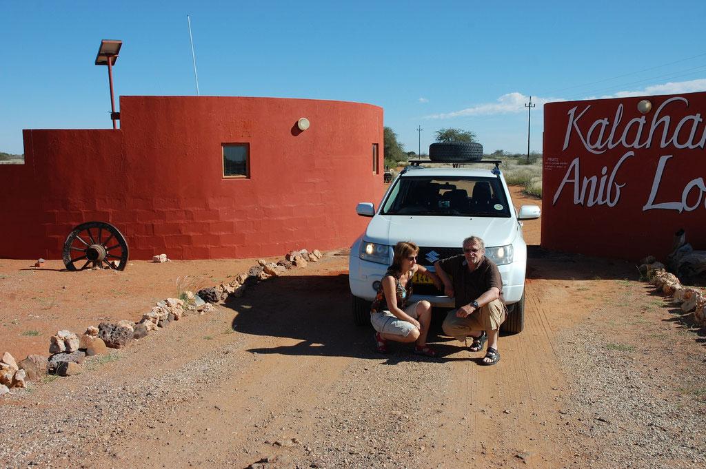 Eingang zur Kalahari Anib Lodge