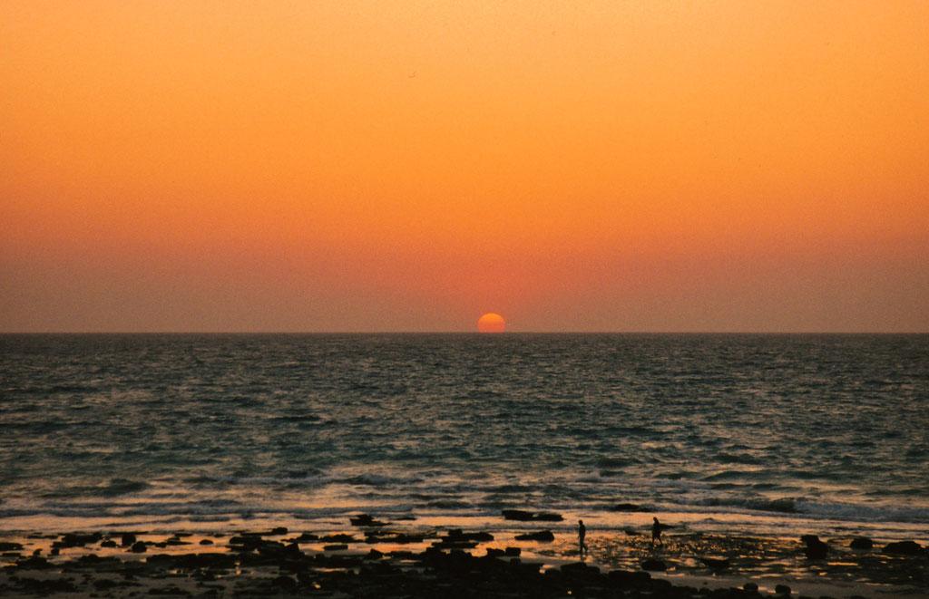 SONNENUNTERGANG AN DER CABLE BEACH BEI BROOME