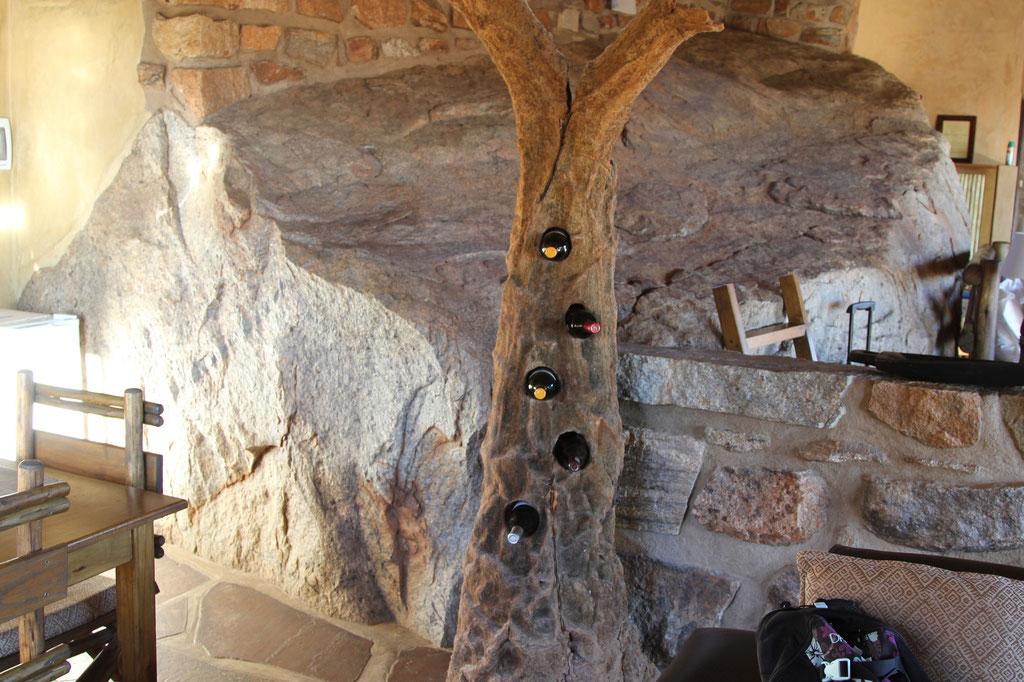 Das etwas andere Weingestell mit Wein aus S.A.