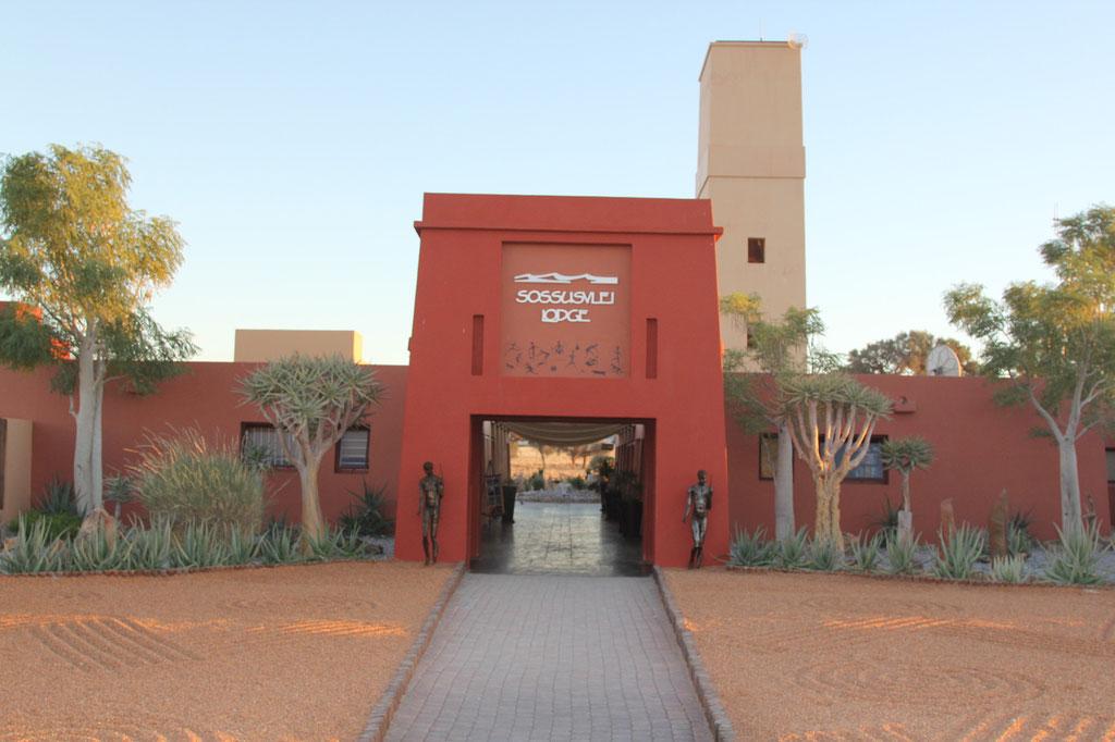 Eingang Sossusvlei Lodge