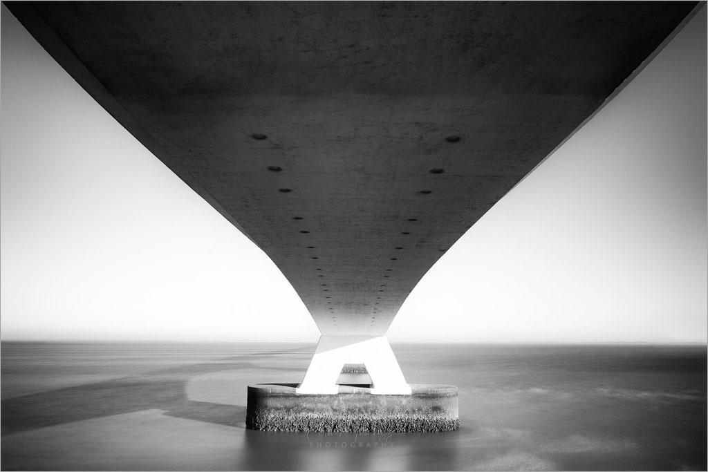 Zeelandbrug, Zeelandbrücke, Oosterscheldebrug, Deltawerken, Zierikzee, Schouwen-Duiveland, Noord-Beveland, Niederlande, Nederland © Oliver Jerneizig