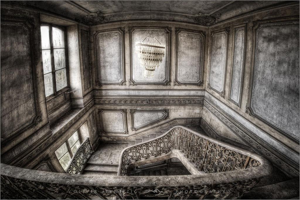 Chateau des Bustes, Villa, Lost Place, Frankreich, France,  © Oliver Jerneizig