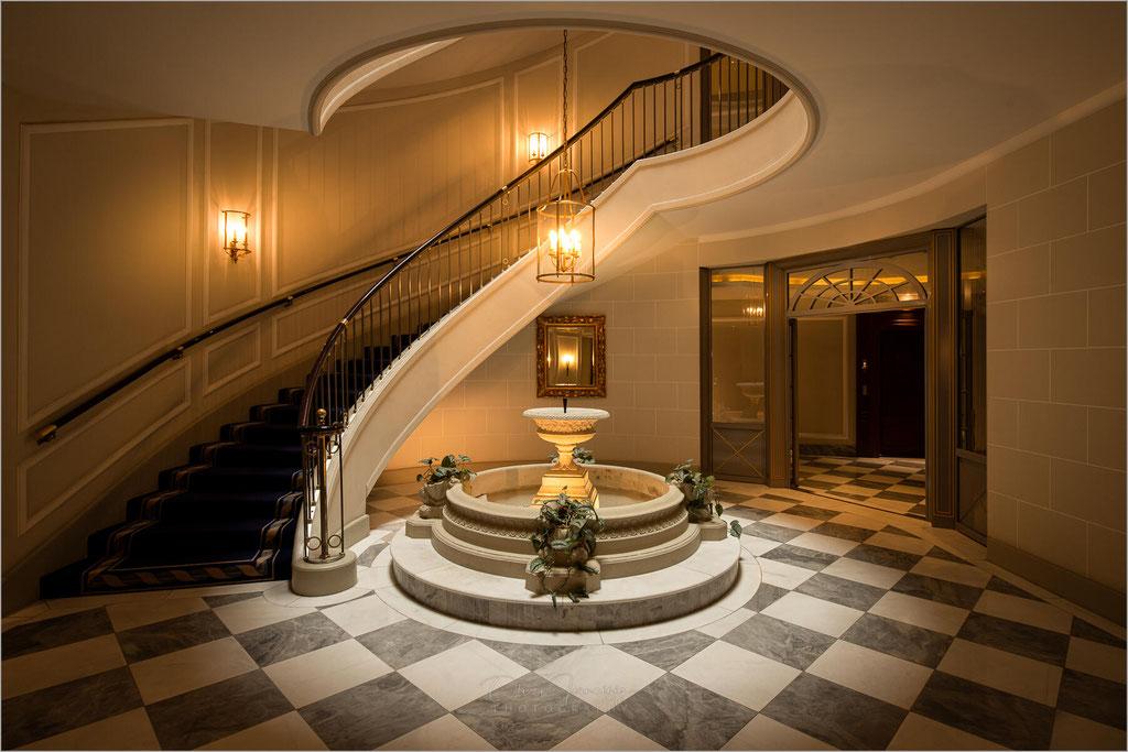Excelsior Hotel Ernst, Köln, Treppenhaus, Deutschland, Germany  © Oliver Jerneizig