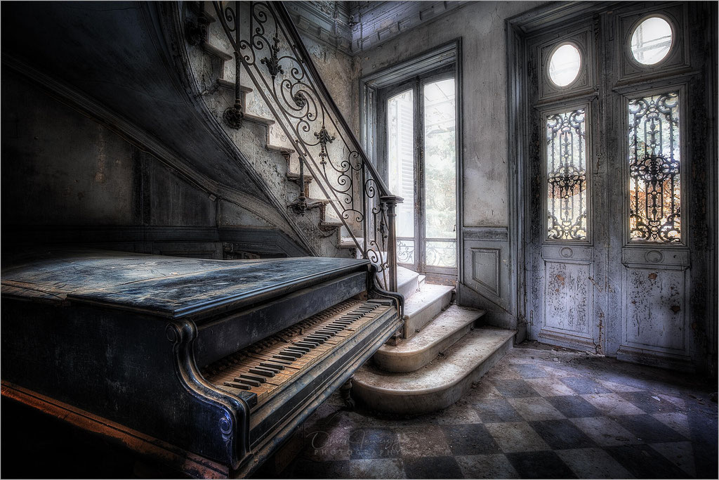 Chateau Verdure, Villa, Lost Place, Frankreich, France,  © Oliver Jerneizig