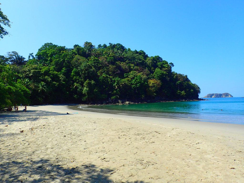 Playa Espadilla Sur Manuel Antonio. Costa Rica. missaventure blog