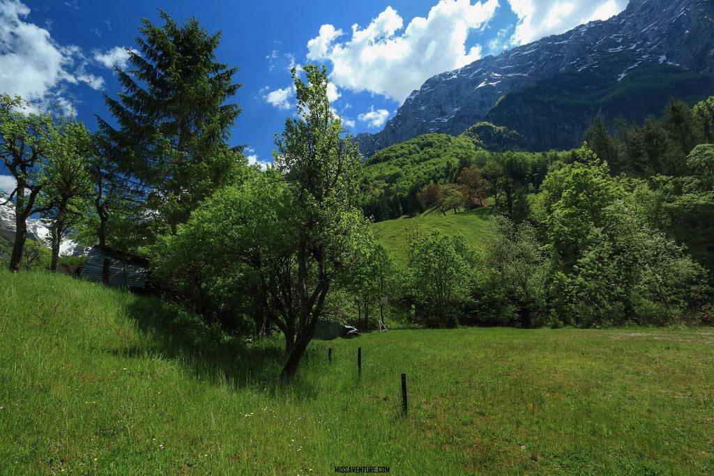 Sentier pour les gorges de la Fratarica.