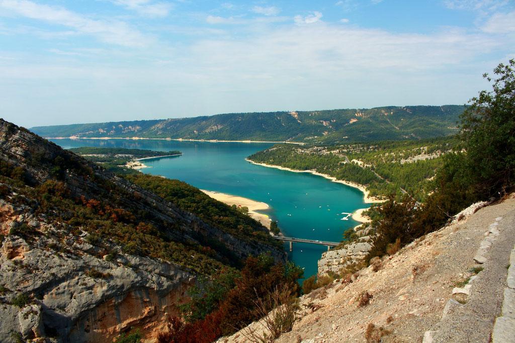 Point de vue sur le lac de Sainte Croix.