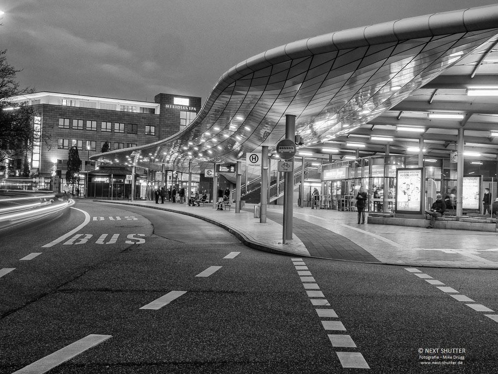 Busbahnhof Poppenbüttel / Busstation Poppenbüttel