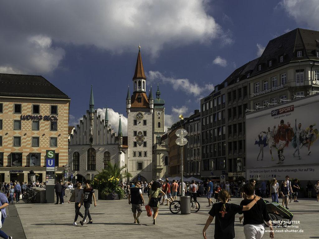 Marienplatz mit dem alten Rathaus