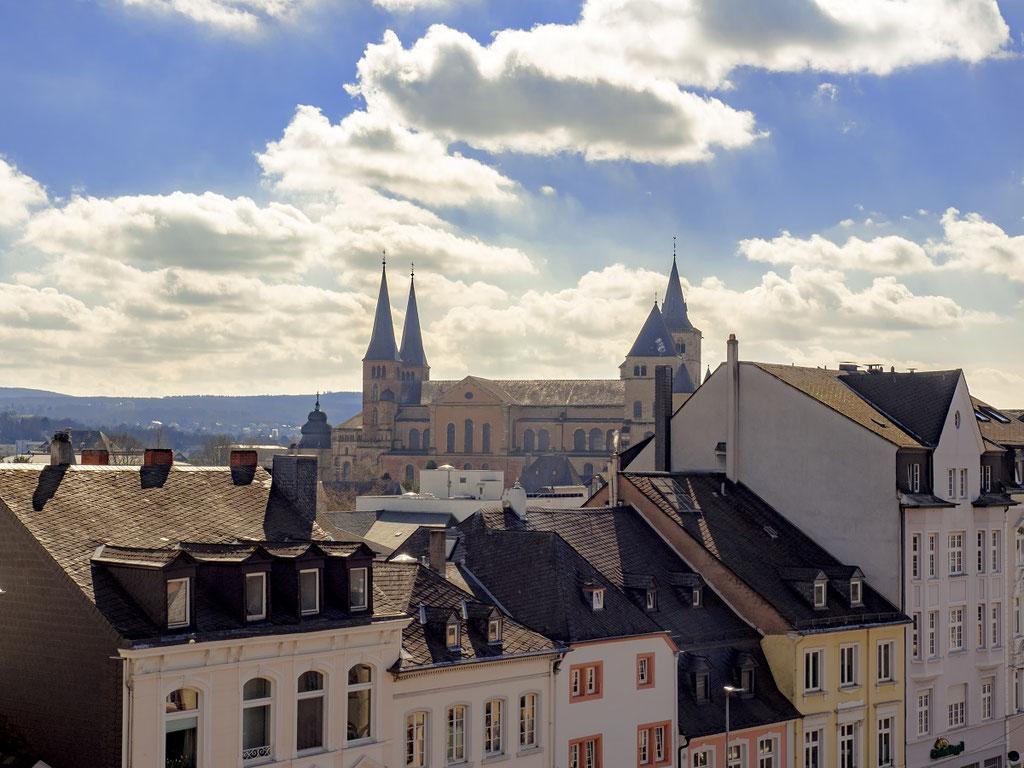 Blick auf den Dom und die Liebfrauenkirche