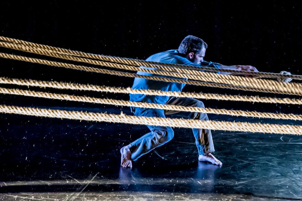 """James Wilton Dance """"Leviathan"""", Tanz Ist Festival 2017, Spielboden Dornbirn (A)"""