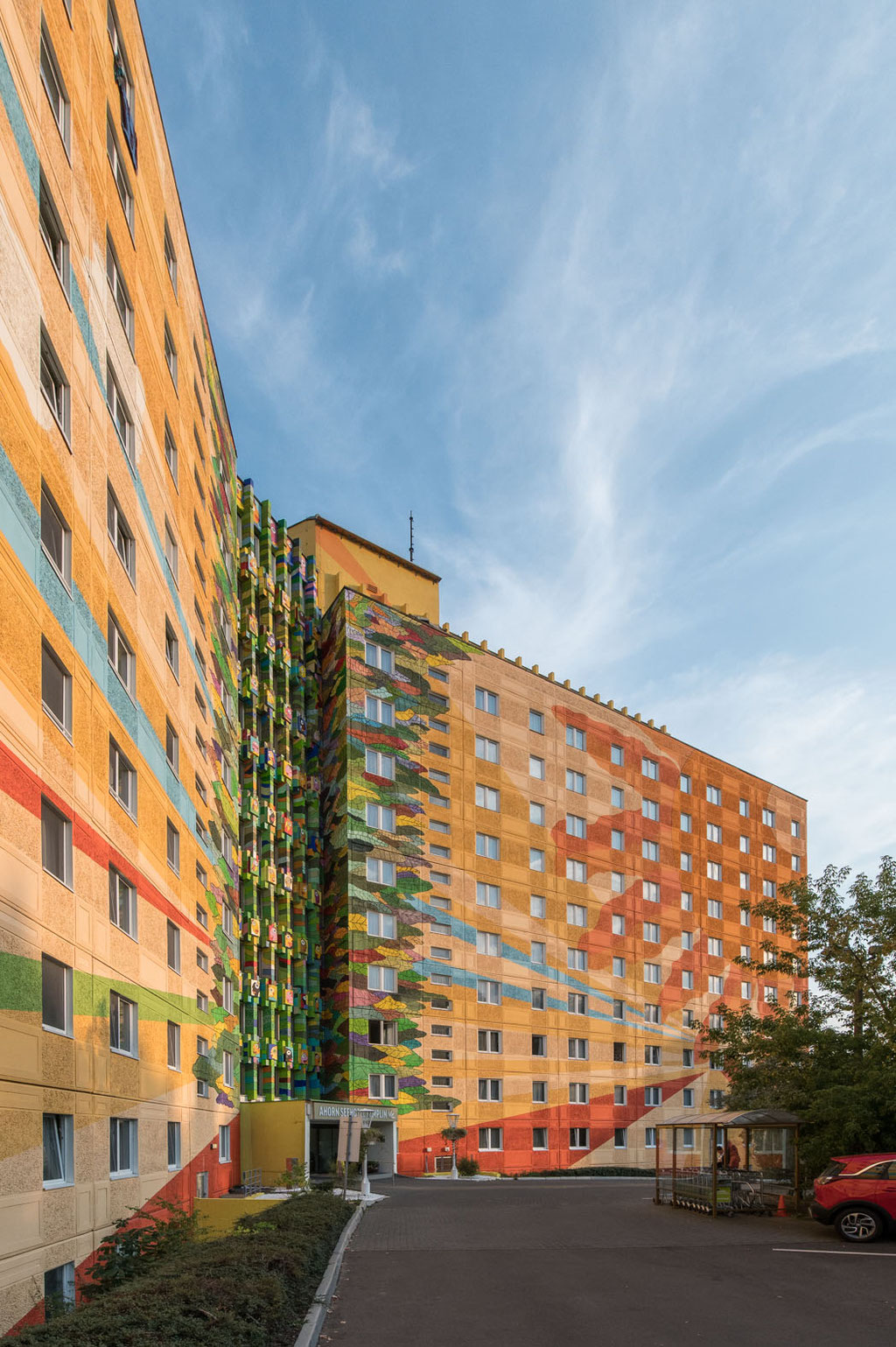"""FDGB-Erholungsheim """"Friedrich Engels"""" (Betonfertigteilbau WBS70), heute Seehotel Templin, Templin (D)"""