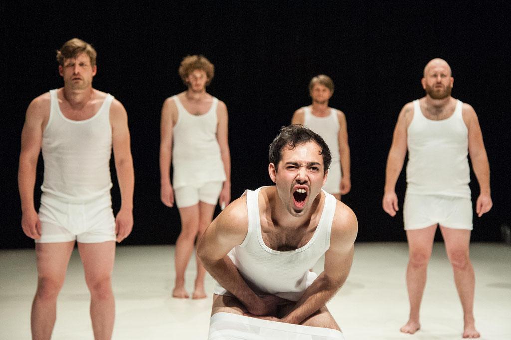 """Aktionstheater Ensemble, """"Die Wunderbare Zerstörung Des Mannes"""", 2018, Kosmos Bregenz (A)"""