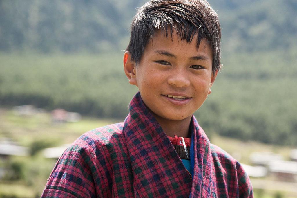 Schule/school bei/near Gangtey Dzong, Bhutan