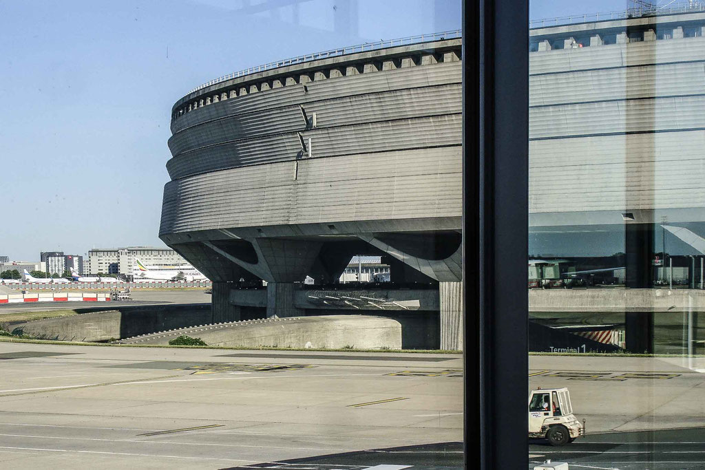 Paris-Charles-de-Gaulle Terminal 1 (Paul Andreu), Roissy-en-France (F)